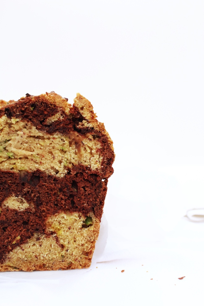 Vegan-recipe-cake-bread-courgette-and-cocoa-loaf-blog