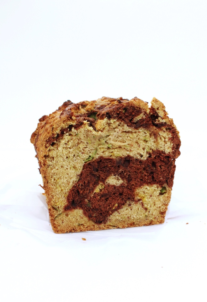 Vegan-recipe-cake-bread-zucchini-courgette-and-cocoa-chocolate-loaf-blog
